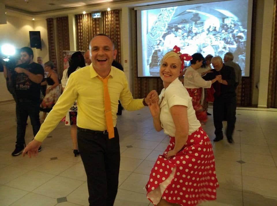 מסיבת תלמידי חוג לריקודים סלוניים ולטיניים למבוגרים