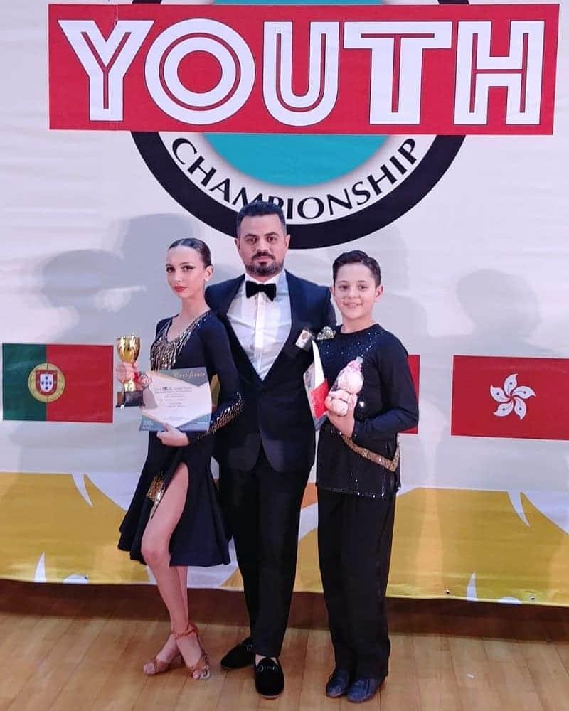 אבי צור ורקדנים המנצחיק בתחרות ריקודים סלוניים ולטיניים בינלאומית