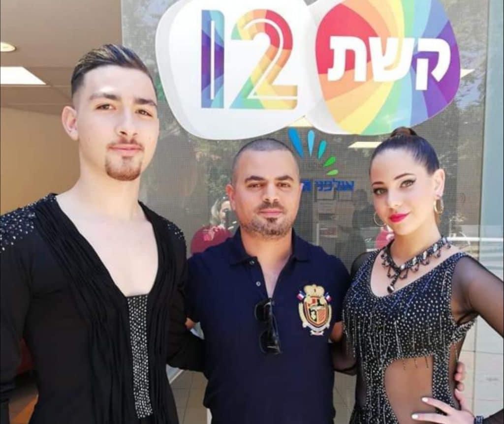 רקדנים של מופעי ריקוד להפקות טלוויזיה ואבי צור בתוכנית בוקר של פאולה וליאון בערוץ 12