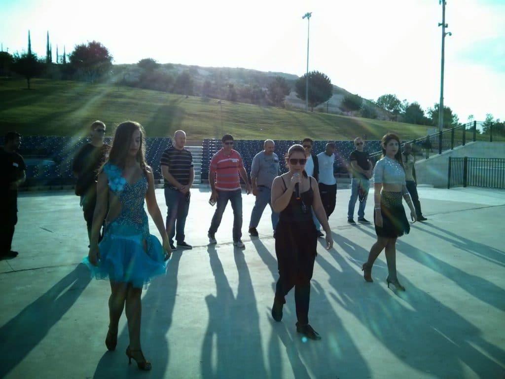 צוות רקדנים ומדריכים של מופעי ריקוד לאירועים